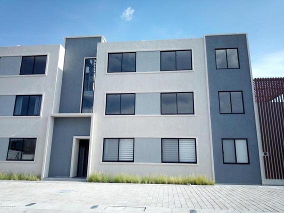 Departamento En Venta En Zakia, El Marques, Rah-mx-20-3145