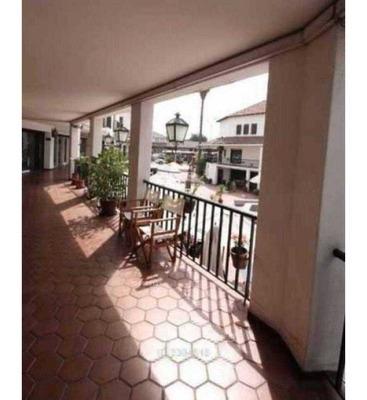Avenida Las Condes 12255 - Local 52