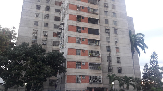 Vendo A Precio Negociable Apartamento En Av Ayacucho