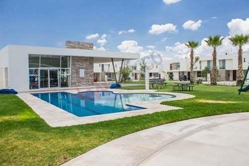 Casa En Venta A Estrenar En Puerta Natura $1,750,000.00 Zona Industrial