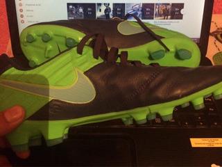 Tachones Nike Tiempo