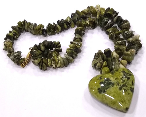 Maravilhoso Colar De Pedra Natural Jadeíta Jade Nefrita 29cm