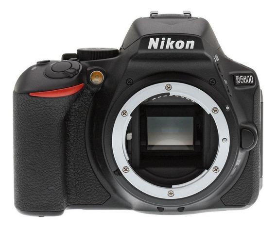 Nikon D5600 DSLR cor preto