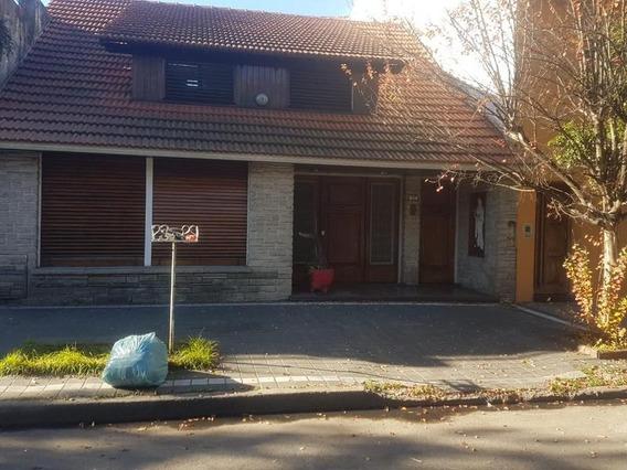 Casa Con Cochera Y Fondo Libre En Alquiler Y Venta En Lanús Oeste