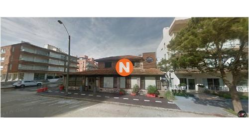 Casa En Venta, Peninsula, Punta Del Este, 2 Dormitorios.- Ref: 209238