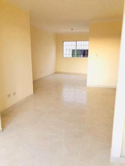 Apartamento De 3 Hab Y 2 Bañ. Residencial Carmen Renata Iii