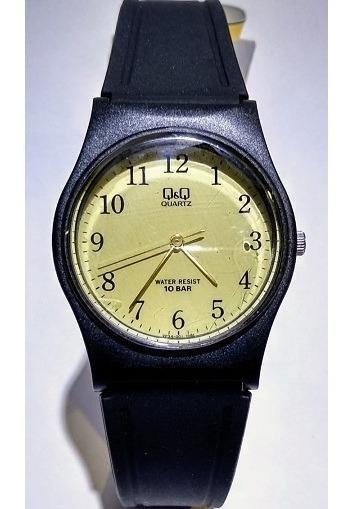 Relógio Q&q Preto Fundo Dourado Pulseira Borracha Vp34j001y