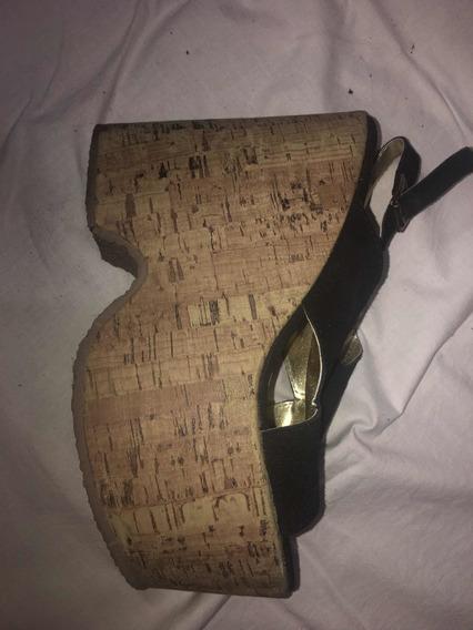 Par De Zapatos De Gamuza Negros
