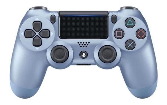 Controle joystick sem fio Sony Dualshock 4 titanium blue