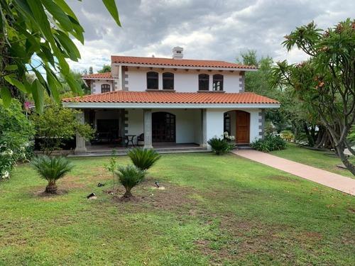 Preciosa Residencia En Renta En Las Cañadas ( 9017 )