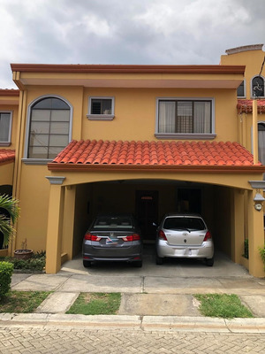 Alquiler De Casa Con Patio En Condiminio_san Pablo De Heredi