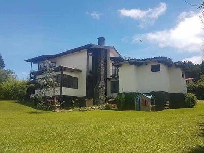 Se Vende Casa En Residencial El Castillo, San Rafael Heredia