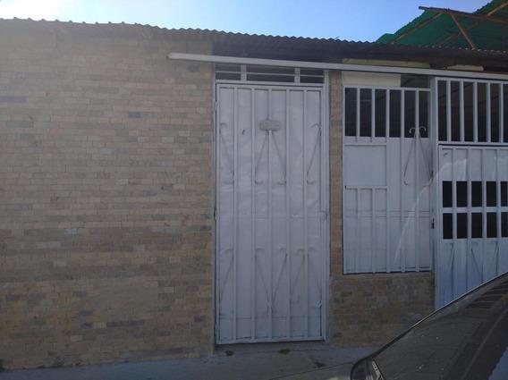 Casa En Venta Barquisimeto 20-5961 Rwh 04145450819