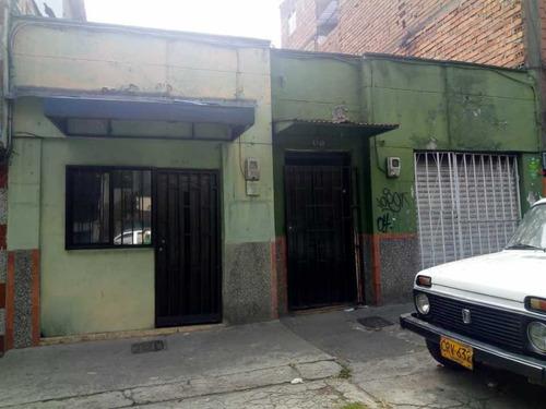 Casa Lote En Venta De 309.12 M2  Buenos Aires Medellín