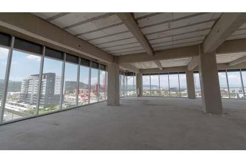 Piso En Venta Excelente Para Oficinas Corporativas En Edificio Centro Capital Juriquilla