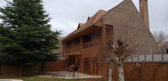 Casa 3 Dormi C/ Pile Y Quincho - 300 M2 - B° Barreneche -neu