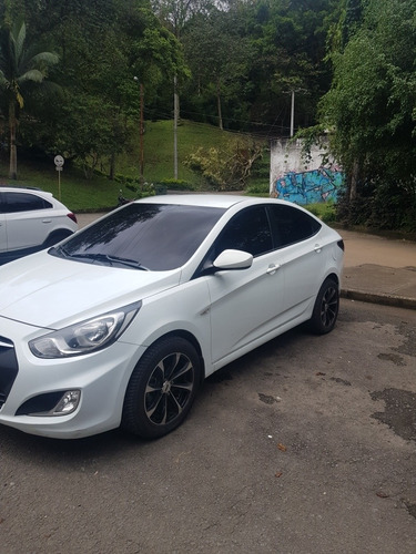 Hyundai Accent 2013 1.4l 5 P