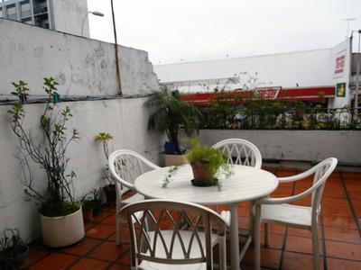 Apartamento Sobre Av. Agraciada Con Gran Terraza Al Fte
