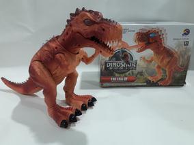 Dinossauros Que Solta Fumaça Fogo E Acende Os Olhos !