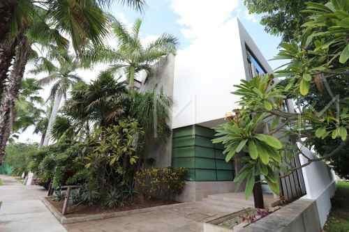 Casa En Renta O Venta En Cancun Villa Magna, Negociable!!!!