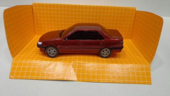 Peugeot 306 4p 1/43 Novedades