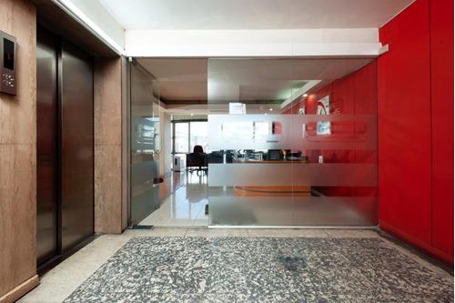 Imagen 1 de 11 de Moderna Y Elegante Oficina En Huérfanos Con Estado