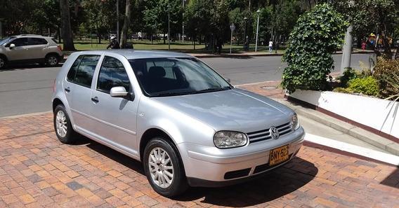 Volkswagen Golf 2003 2.0 Gris