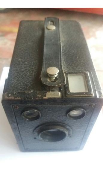 Câmera Fotográfica Muito Antiga Kodak Em Ótimo Estado Rara