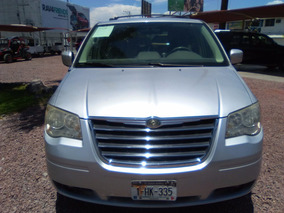 Chrysler Town & Country 2010 Touring Plata