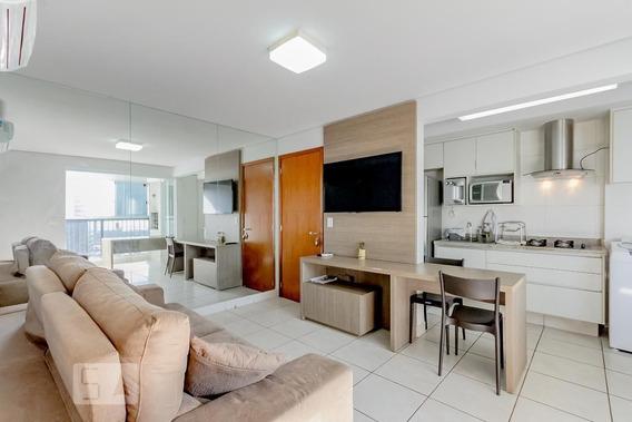Apartamento No 18º Andar Mobiliado Com 1 Dormitório E 1 Garagem - Id: 892970281 - 270281