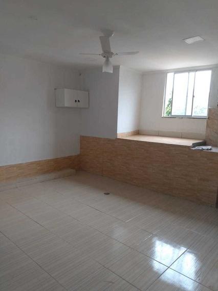 Casa Tipo Apartamento Na Taquara Com 2 Quartos E Uma Suíte