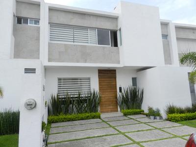 Casa En Unas De Las Zonas De Mas Plusvalia,