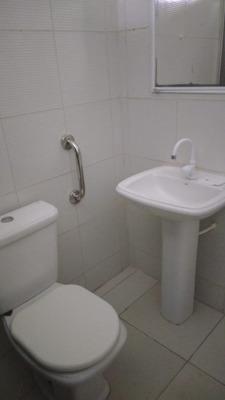 Casa 4 Quartos,banheiro,suíte/banheira,área De Serv.,garagem