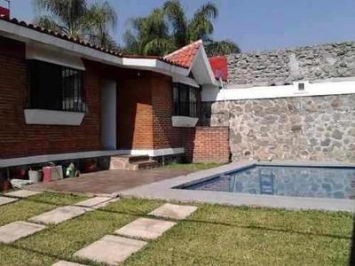Bonita Casa En Acapantzingo En Un Solo Nivel En Cuernavaca.
