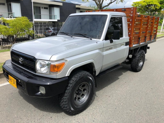 Camioneta De Estacas Toyota Land Cruiser