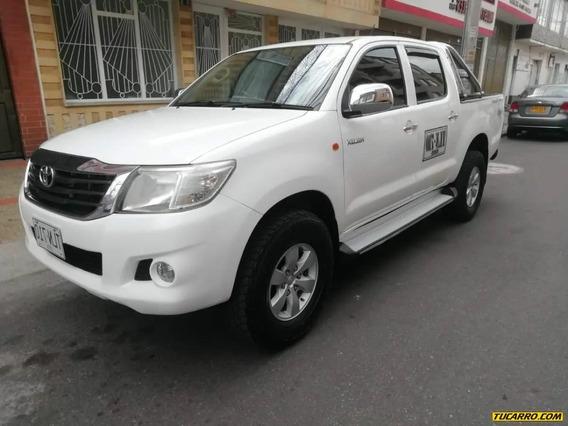 Toyota Hilux 4x4 2500cc Td Mt