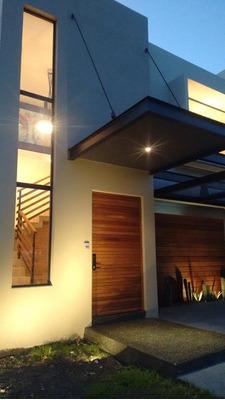 Estrene Casa En Lomas De Juriquilla 4 Rec Con Baño