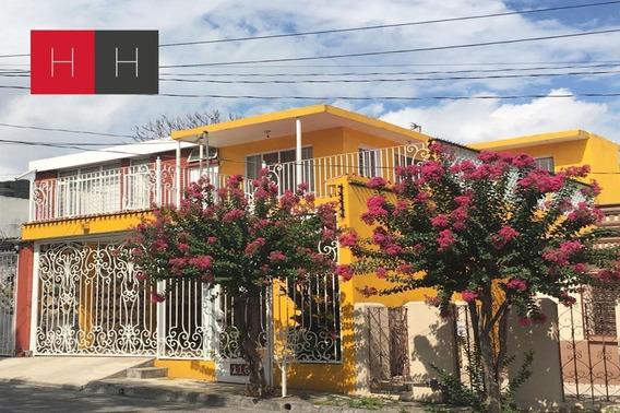 Casa En Venta Fracc. Centro Al Sur De Monterrey