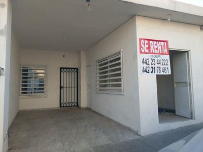 Casa De Dos Recamaras Con Local Comercial