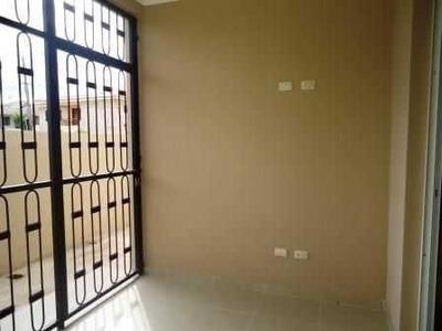 Rento Nueva Casa Con Amueblado Moderno