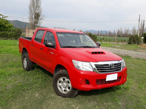 Toyota Hilux, 2013, 2 Dueños, Conversable