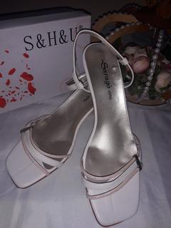 Zapatos Tiritas Con Pulsera En El Tobillo.