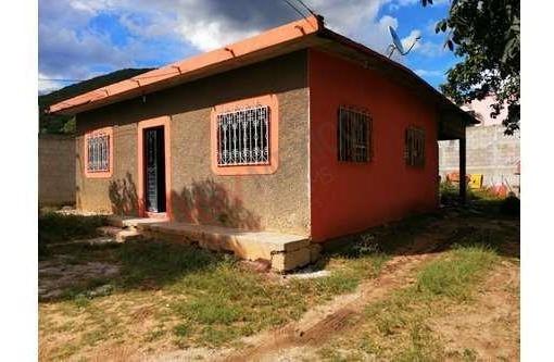 Casa En Venta Ubicada Al Norte Poniente En La Col. Plan De Ayala Con Terreno Amplio A Un Costado Del Foro Chiapas