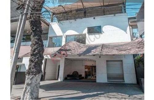 Se Renta Local Comercial Excelente En Insurgentes Sur En La Colonia Guadalupe Inn, De 2 Niveles Sobre En Zona Muy Comercial