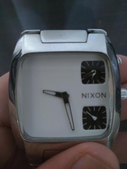Relógio Nixon Banks Silver Usado.