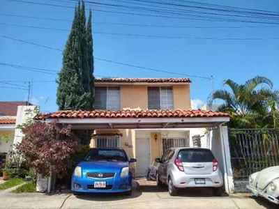 Excelente Casa Dentro De Coto En Atemajac Del Valle