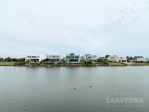Imagen 1 de 13 de Excelente Lote  Al Agua En Venta. Primera Linea Con Salida Al Lago Central.  Barrio Virazon