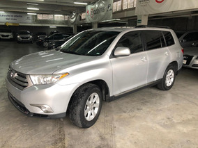 Toyota Highlander Base 2011