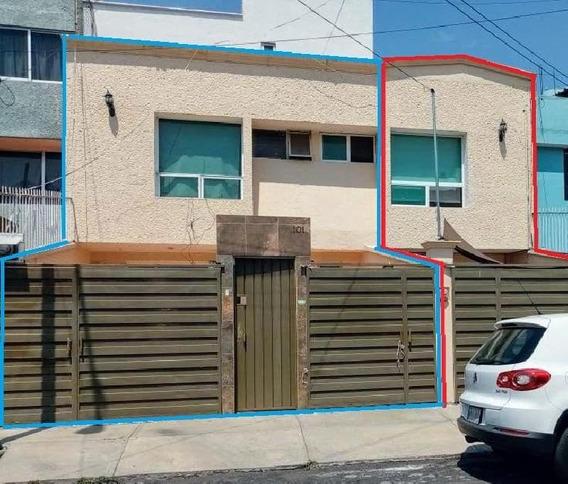 Casa Doble En Venta En Xochimilco Con 300 M2 De Construcción