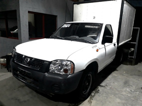 Nissan Np300 2.4 Chasis Dh Mt 2012